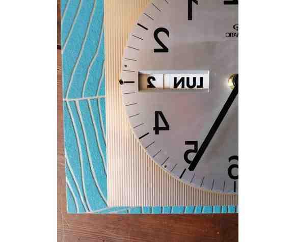 Comment déplacer une horloge comtoise ?